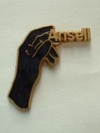 Pin's GANT ANSELL - Marcas Registradas