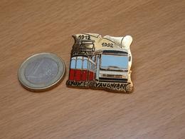 PIN'S .LYON VAUGNERAY. TRAIN TRAMWAY. 1912 1992. N°7.EGF. - Transports