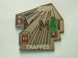 Pin's SNCF - EMMT TRAPPES - Transports