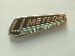 Pin's METEOR - ADSA TALLON - DECAT - Transports