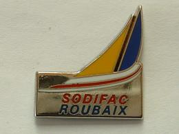 PIN'S VOILIER - SODIFAC ROUBAIX - ZAMAC - Bateaux
