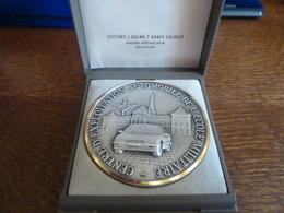 """Médaille """"Centre D'Exploitation Automobile De L'Ecole Militaire - Dans Son écrin - France"""