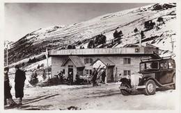 ANDORRE. CPA BRILLANTE. .  RARETE. ANIMATION DEVANT LE CHALET REFUGE D'ENVALIRA + TEXTE ANNEE 1937 - Andorre