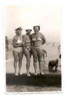 PHOTO ORIGINALE , SOUVENIR , Femmes En Maillot De Bain , Dim. 6.0 X 9.0 Cm - Personas Anónimos