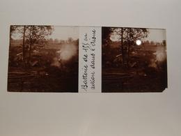 Photo Plaque De Verre Stéréoscopique Guerre 14-18 Batterie De 155 En Action De L'Aisne - Diapositiva Su Vetro