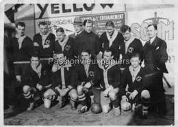 PHOTO  EQUIPE DE FOOTBALL Du CLUB FRANCAIS (basé à PARIS) CHAMPION De PARIS 1930 - Calcio