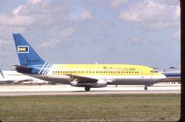 BAHAMAS AIR  B 737  C6-BEH   DIAPOSITIVE KODAK ORIGINAL - Diapositive