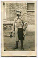 CPA - Carte Postale - Militaria - Portrait D'un Homme En Uniforme - Secouriste (I9474) - Personnages