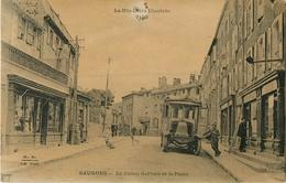 43 Saugues Le Cours Gervais Et La Poste  Ref 1877 - Saugues