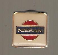 PIN'S AUTOMOBILE NISSAN - Renault
