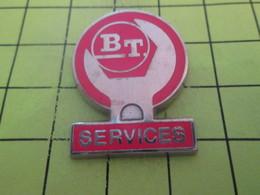 515A Pin's Pins / Beau Et Rare : THEME : MARQUES / CLE ANGLAISE BT SERVICES Par PRODERAM - Marcas Registradas