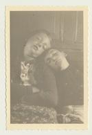 Private Foto Photo Kinder Kids Enfants Garcon Fille Girl Mädchen Boy Sleeping - Anonyme Personen