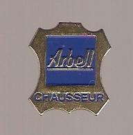 PIN'S ARBELL CHAUSSEUR CHAUSSURE - Marcas Registradas