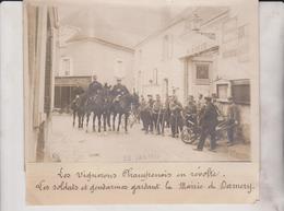 LES VIGNERONS CHAMPENOIS  RÉVOLTE LES SOLDAT ET GENDARMES MAIRIE DAMERY 18*13CM Maurice-Louis BRANGER PARÍS (1874-1950) - Lugares