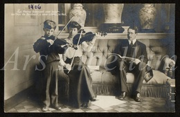 Postcard / CPA / ROYALTY / Belgium / Belgique / België / Koningin Elisabeth / Reine Elisabeth / Unused / Roi Albert I - Familles Royales
