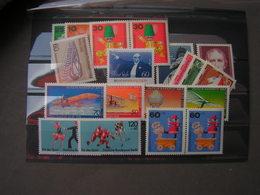 BRD Berlin   Lot  ** MNH - Briefmarken