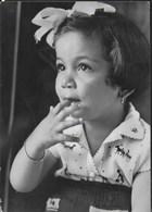 RITRATTO DI BAMBINA ANNI '50 - VIAGGIATA 1950 FRANCOBOLLO ASPORTATO - Ritratti