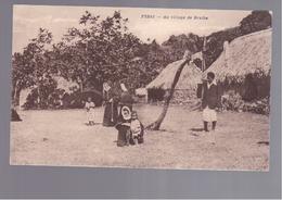 FIDJI  Au Village De Draiba   OLD POSTCARD - Fidschi