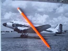 FOTOGRAFIA AEREO DOUGLAS  DC3  FLY RWH AVIATION  N66HL - Aviation