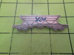 710d Pin's Pins / Beau Et Rare : THEME : TRANSPORTS / WAGON TRANSPORT MATERIAUX - Transports