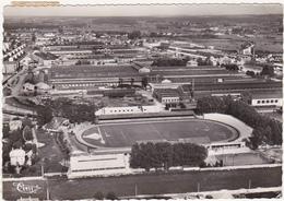 25 - MONTBELIARD (Doubs) - Vue Aérienne - Le Stade Bonal Et Les Usines Peugeot - 1955 - Montbéliard