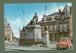 CARTE POSTALE BELGIQUE PHILIPPEVILLE STATUE DE MARIE LOUISE 2CV CITROEN ROUGE EN GROS PLAN - België