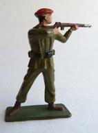 SOLDAT FIGURINE FIG STARLUX 1959 PARACHUTISTE TIREUR FUSIL DEBOUT 5073 PARA Socle Vert Foncé - Starlux