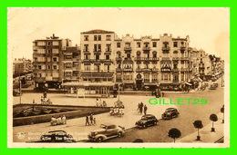 KNOCKE S/MER, BELGIQUE - PLACE VAN BUNNEN - ANIMÉE VIEILLES VOITURES - NELS - EWRN THILL - CIRCULÉE EN 1948 - - Knokke