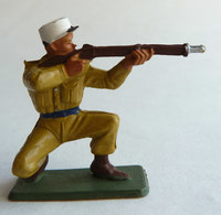 SOLDAT FIGURINE FIG STARLUX 1958 SOLDAT LEGIONNAIRE 5092 TIREUR Fusil à Genoux Socle Vert Kaki - Starlux