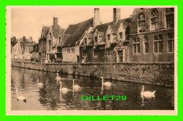 BRUGES, BELGIQUE - QUAI VERT ANIMÉE - MAISON DU PELICAN - ERN THILL - GROENE REI - - Brugge