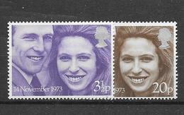 Yv. 700/1 * * - 1952-.... (Elizabeth II)