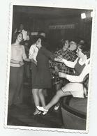Women Dancing  Zs293-221 - Persone Anonimi