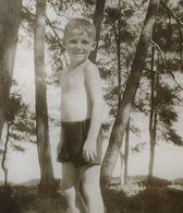 B&W Amateur Photo Boy Vacation Summer - Persone Anonimi