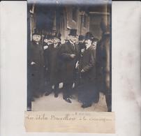 LES ÉDILES BRUXELLOIS A LA CONCIERGERIE   BRUSSEL BRUSSELS BELGIQUE 18*13CM Maurice-Louis BRANGER PARÍS (1874-1950) - Lieux