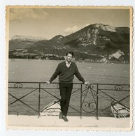 Homme Man Elegance Carré ANNECY Lac Lake 60s Playboy - Persone Anonimi