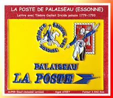"""SUPER PIN'S POSTE - COURRIER : MAX Pin's POSTE PALAISEAU Visuel Enveloppe Avec Cacher Et Timbre Historique """"La Terreur"""" - Correo"""