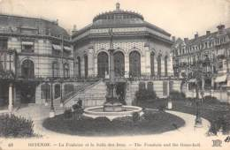 OSTENDE - La Fontaine Et La Salle Des Jeux - Oostende