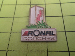 115B Pin's Pins / Beau Et Rare : THEME : PIN-UPS / FEMME BLONDE NUE ET A FORTE POITRINE (CC Lina !) RONAL DOUCHES - Pin-ups