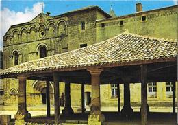 CADOUIN - L'ensemble Médiéval Des Halles Et L'église Abbatiale - France