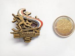 Belle Broche ( No Pin's ) , Ski , La Trace , Bronze - Wintersport