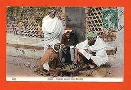 Algérie Alger 1912  Nègres Jouant Aux échecs (sic) TB Animée éditeur Non Précisé N°523 Dos Scanné - Algiers