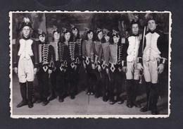 Photo Originale Althusser Bar Le Duc Theatre Bleus De Bar ? Jeunes Filles Costumées En Hussards Soldat De Napoleon - Lieux