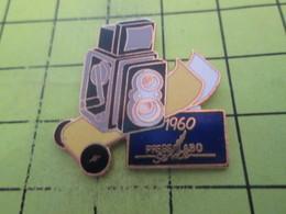 313a Pin's Pins / Beau Et Rare : THEME : PHOTOGRAPHIE / APPAREIL PHOTO 1960 PRESS LABO SERVICE - Photographie