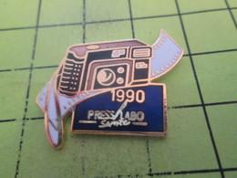 513F Pin's Pins / Beau Et Rare : THEME : PHOTOGRAPHIE / APPAREIL PHOTO 1990   PRESS LABO SERVICE - Photographie