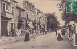 44 / LA BAULE / AVENUE DE LA GARE / JOLIE CARTE - La Baule-Escoublac