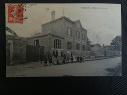 CPA 27 VERNON - L'Ecole De Garçons (s) - Vernon