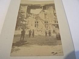 Photo Juin 1915 VERDUN - Trou D'un Obus De 380 Au Collège Buvignier (Buirguier ?) (A198, Ww1, Wk 1) - Verdun