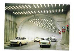 74/ HAUTE SAVOIE... CHAMONIX-MONT BLANC. Tunnel Côté France... AUTOMOBILES Anciennes: Peugeot 404, DAUPHINE, DS - Francia
