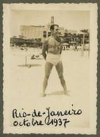 Homme Musclé Torse Nu Sur La Plage à Rio De Janeiro . 1937 . Gay Interest . - Anonyme Personen