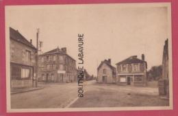 61 - MESSEI---Le Carrefour--cpsm Pf - Autres Communes